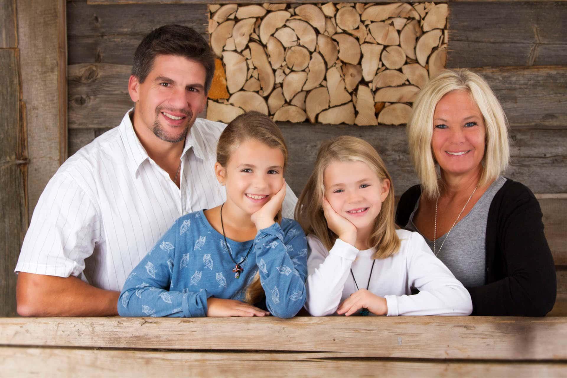 Familienfotografie - Familienfotos - Familienfotograf - Familienshooting Murnau - Foto Stoess