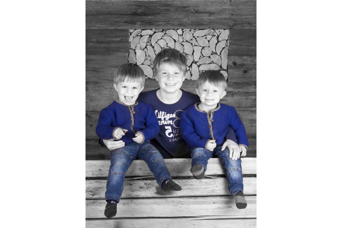 Familienfotos - Familienfotografie - Familienfotograf - Familienshooting Murnau - Foto Stoess