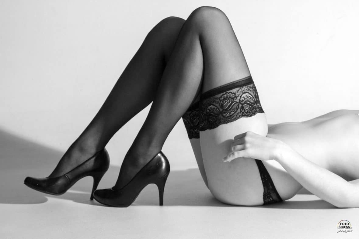 Aktfotos - Dessousfotos - Aktfotografie Murnau - Foto Stoess